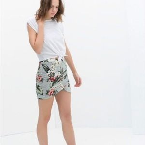 Zara Trafaluc Floral Mini Skirt